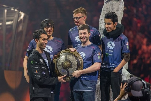 evil-geniuses-the-international-2015-winners-esports